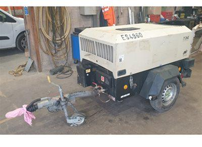 1 off DOOSAN model 726E Trailer Mounted Compressor (88cfm)
